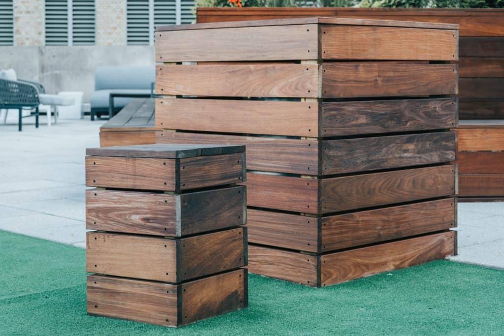 Deux composteurs en bois fabriqués en DIY